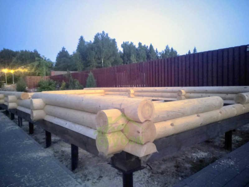 свайно-винтовой фундамент для деревянного дома-сруба